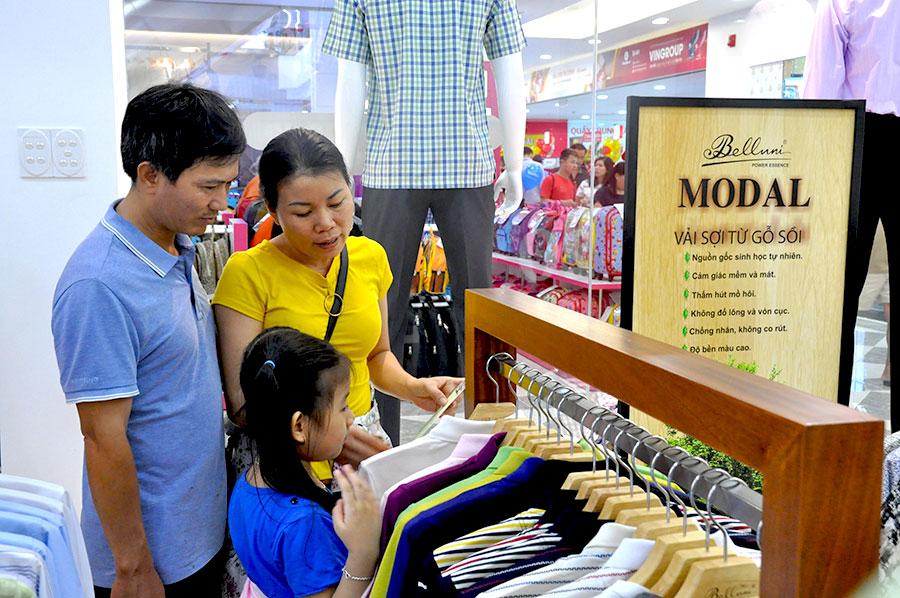 Tưng bừng khai trương chuỗi cửa hàng thời trang Belluni tại khu vực miền Tây Nam Bộ