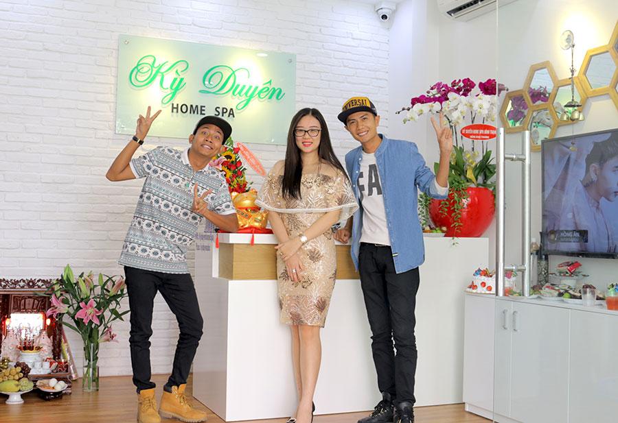 """Diễn viên Thái Vũ & Huỳnh Phương FAPtv """"quậy tưng bừng"""" tại ngày khai trương hai cơ sở mới của Kỳ Duyên Home Spa"""