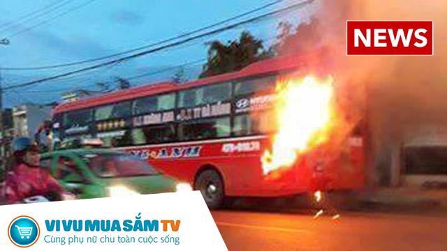 Xe khách giường nằm ở Đăk Lăk đang chạy phát nổ và bốc cháy, 40 người thoát chết