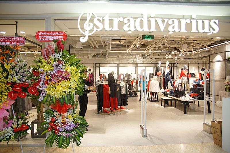 Stradivarius khai trương cửa hàng đầu tiên tại VN