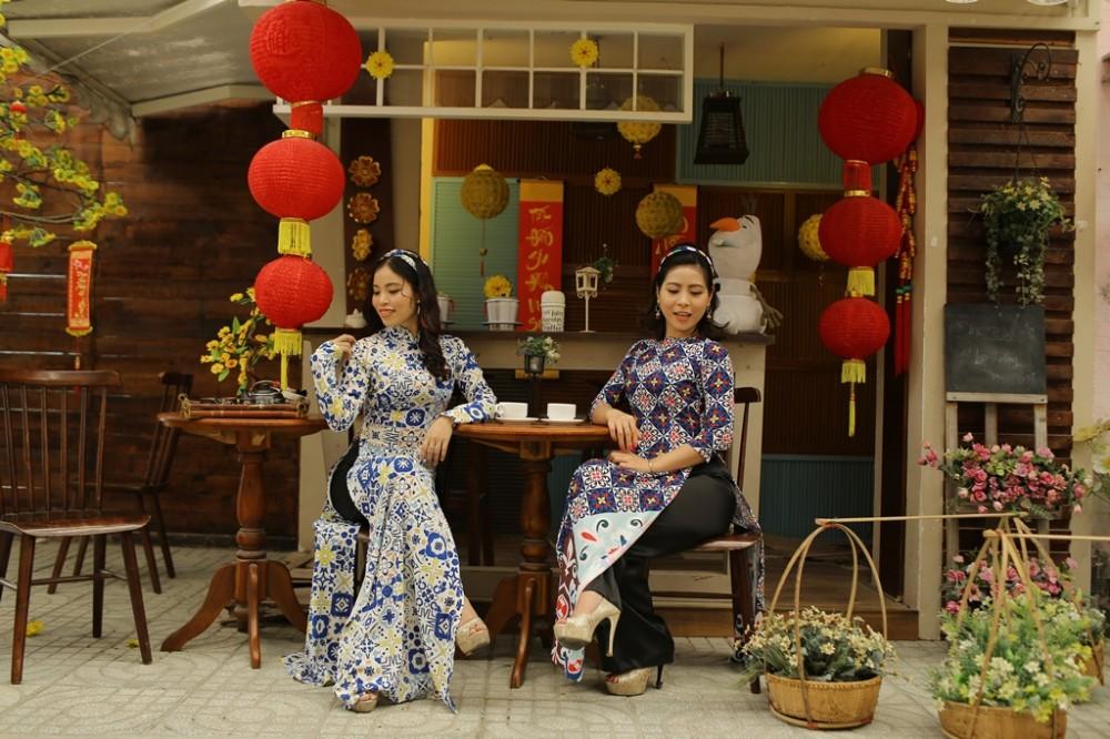 Đầm Sen miễn vé cổng cho du khách mặc áo dài trong ngày 8.3