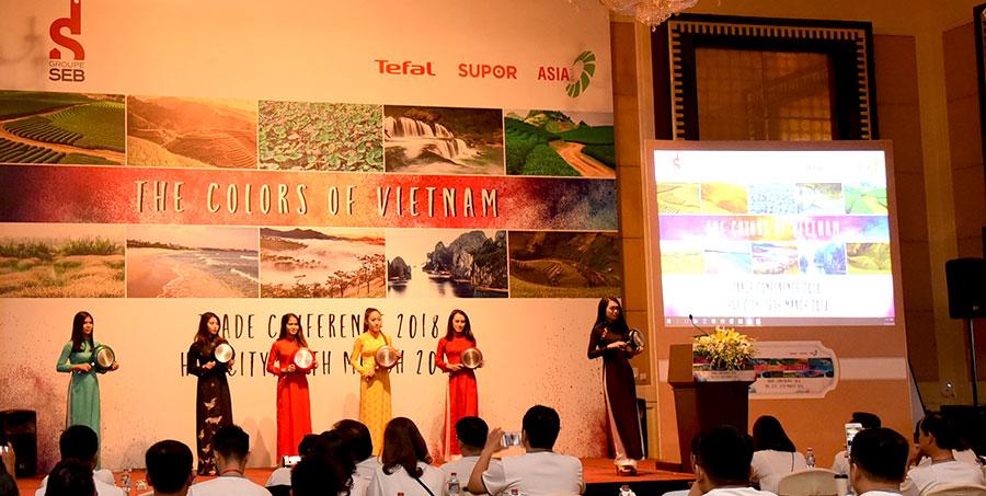 """Quạt Việt Nam - Asia Fan giới thiệu bộ sản phẩm mới tại sự kiện """"The Colors Of Vietnam"""" 2018"""