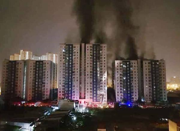 Cháy chung cư cao cấp Carina Plaza, 13 người tử vong