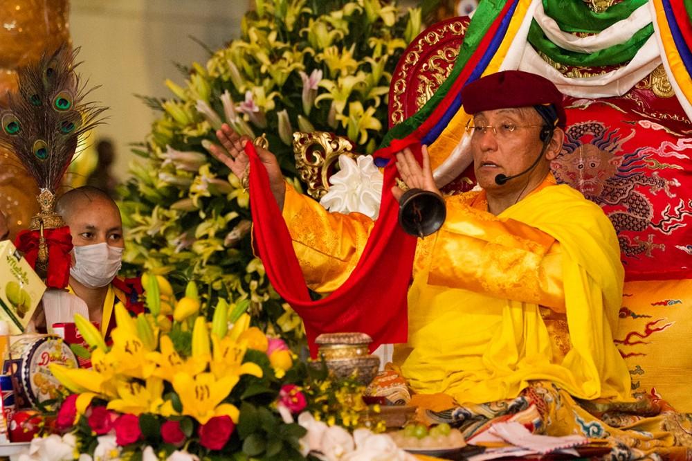 Đức Gyalwang Drukpa cầu siêu cho các nạn nhân thảm họa vụ cháy chung cư Carina