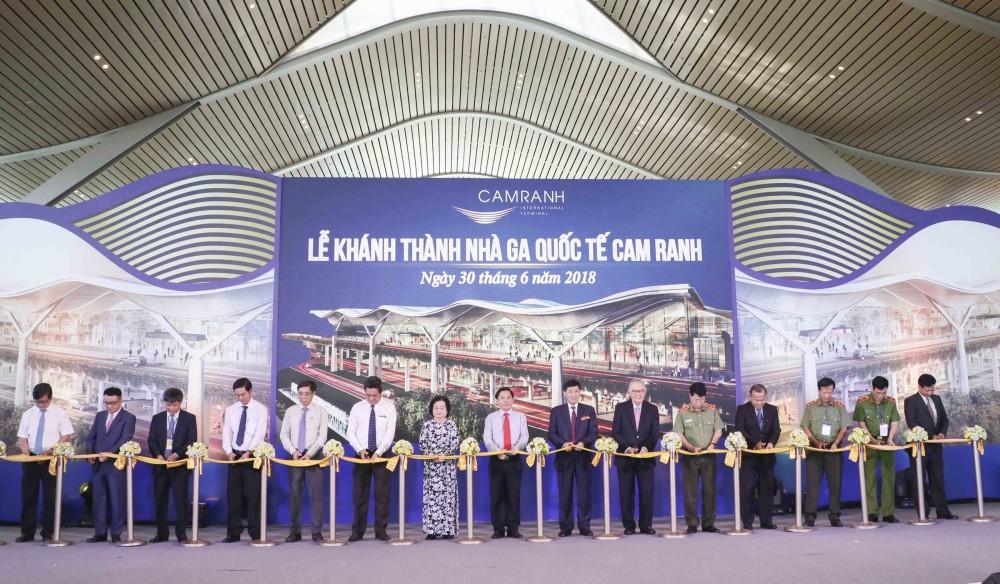 Khánh thành và đưa vào khai thác nhà ga quốc tế Cam Ranh