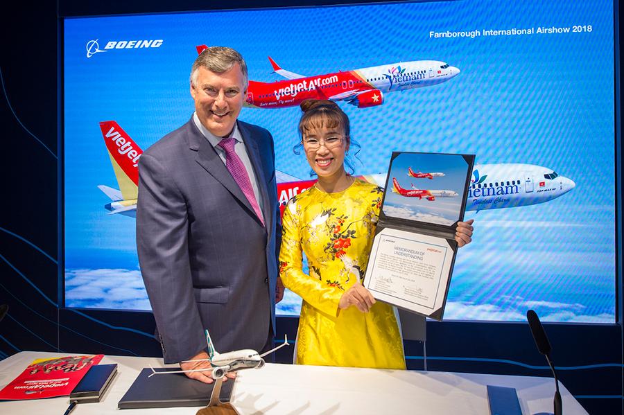 Vietjet ký hợp đồng mua 100 máy bay trị giá hơn 12 tỷ USD