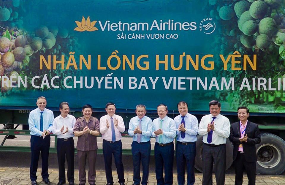 Vietnam Airlines đưa đặc sản nhãn lồng Hưng Yên lên các chuyến bay