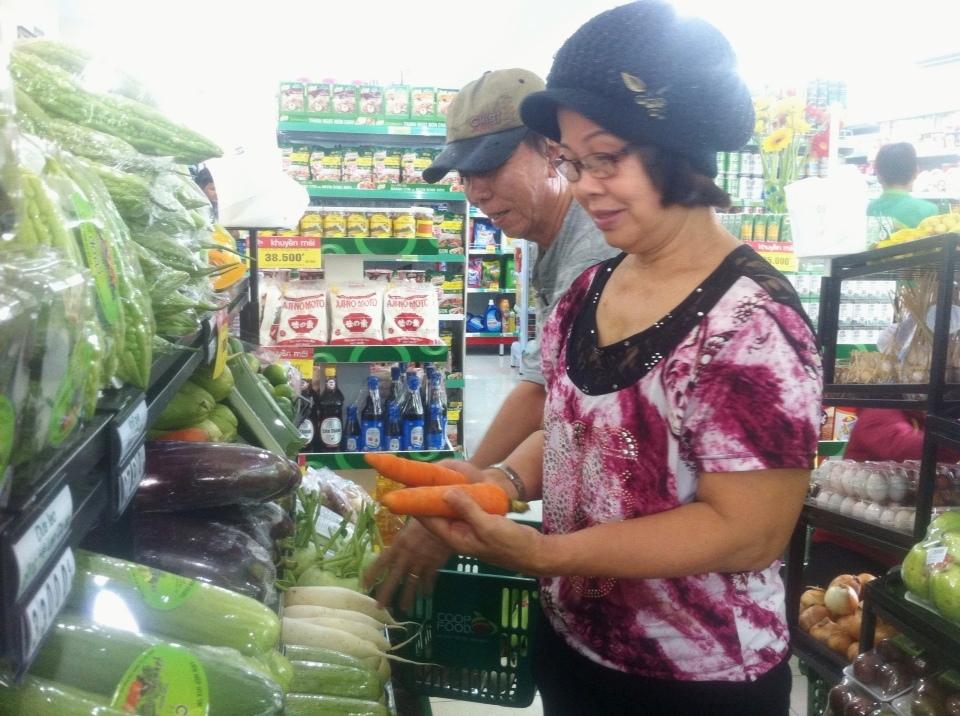 Co.op Food hoạt động trở lại phục vụ nhu cầu mua sắm thiết yếu của cư dân chung cư Carina