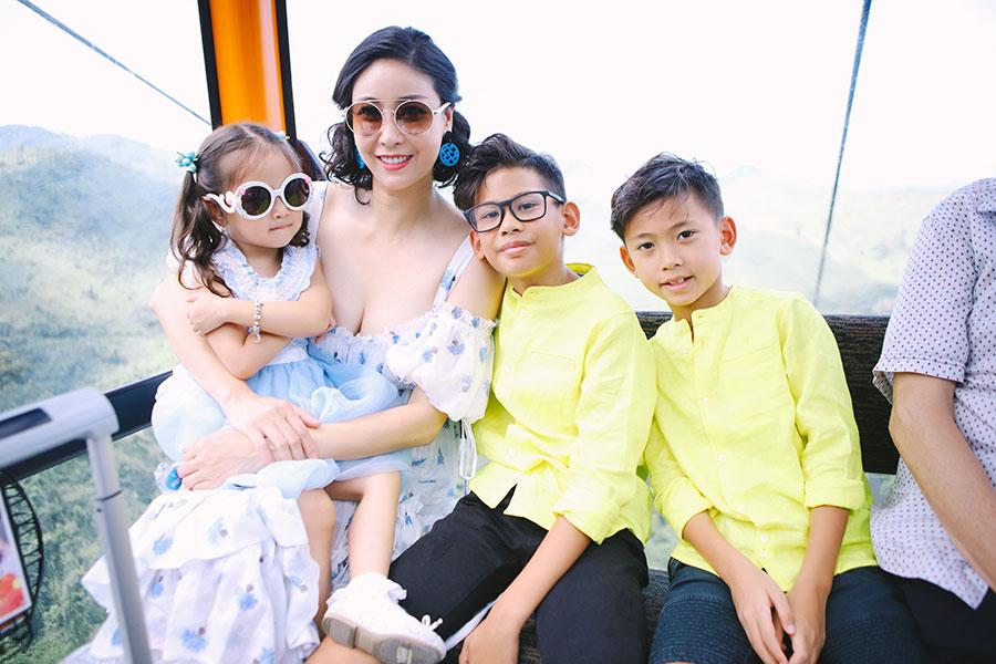 Giây phút sum vầy của gia đình hoa hậu Hà Kiều Anh tại Đà Nẵng
