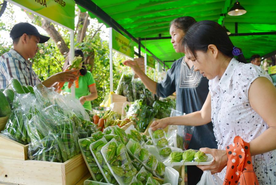 TPHCM triển khai mở rộng nhiều chợ phiên nông sản sạch