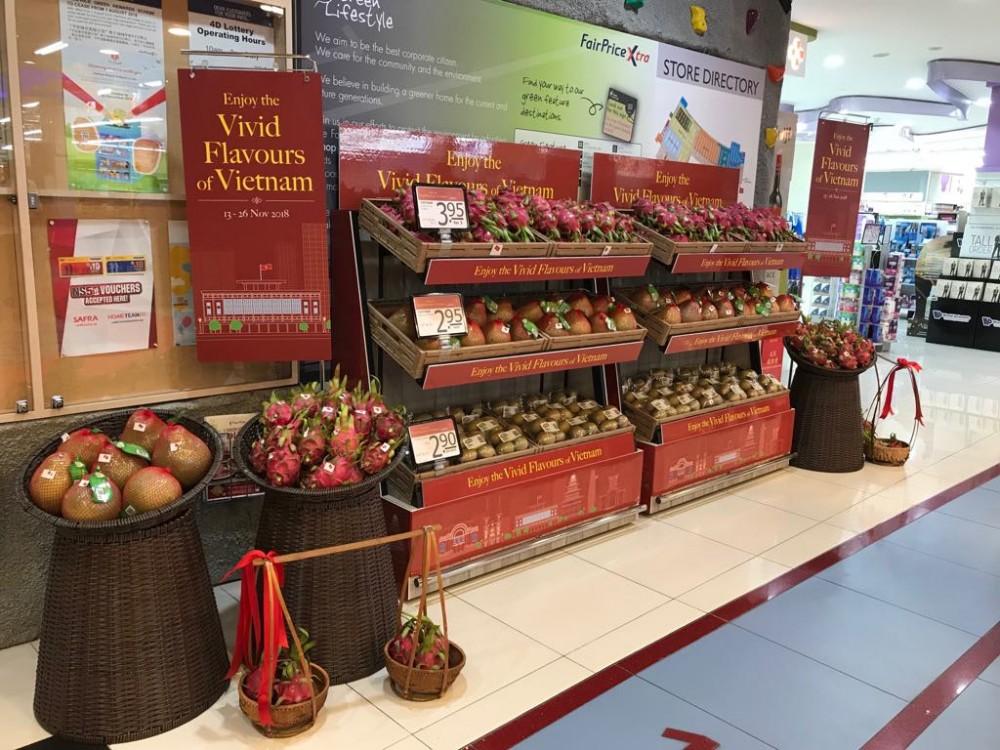 Thanh long ruột đỏ, Bưởi Năm Roi, Hồng xiêm của Việt Nam được người dân Singapore yêu thích