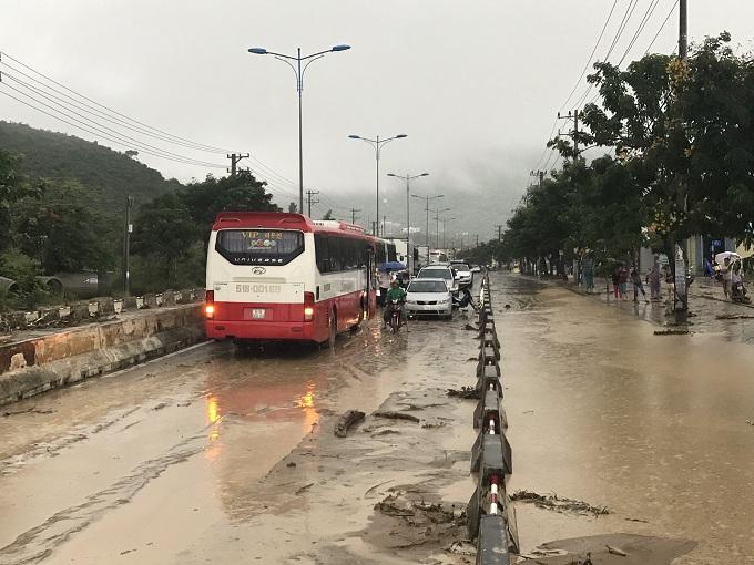 Nhiều chuyến bay đến & đi từ Nha Trang ảnh hưởng do áp thấp nhiệt đới