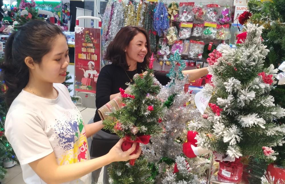Saigon Co.op giảm giá đậm 3.000 sản phẩm Giáng sinh và hàng loạt mặt hàng giá 0 đồng
