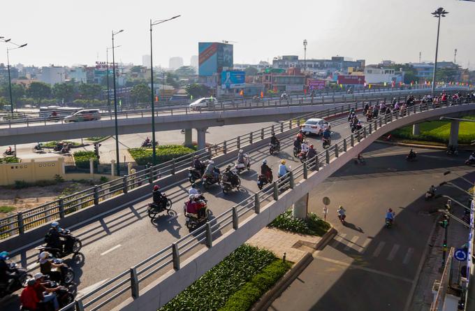 TP.HCM chính thức thông xe cầu vượt nút giao Nguyễn Thái Sơn-Nguyễn Kiệm trước Tết Nguyên đán 2019