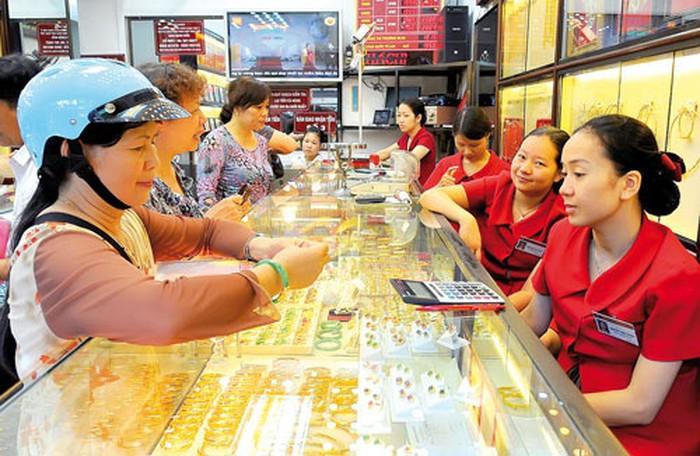 Giá vàng tăng kỷ lục ngày Vía Thần tài