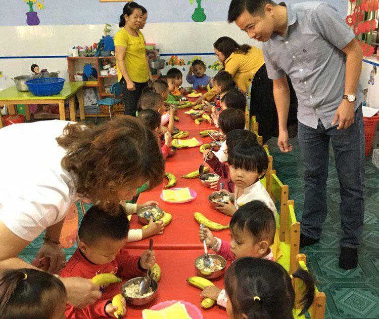 4.400 trẻ em ở huyện A Lưới, tỉnh Thừa Thiên Huế được tặng chuối già lùn cải thiện chế độ dinh dưỡng
