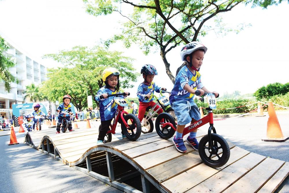 """Hơn 31.000 phần quà dành tặng các em nhỏ trong chương trình """"Ngày hè sôi động"""" tại Khu đô thị Phú Mỹ Hưng"""