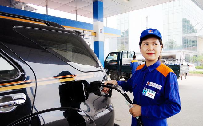 Giá xăng Ron95-III vượt 21.200 đồng mỗi lít