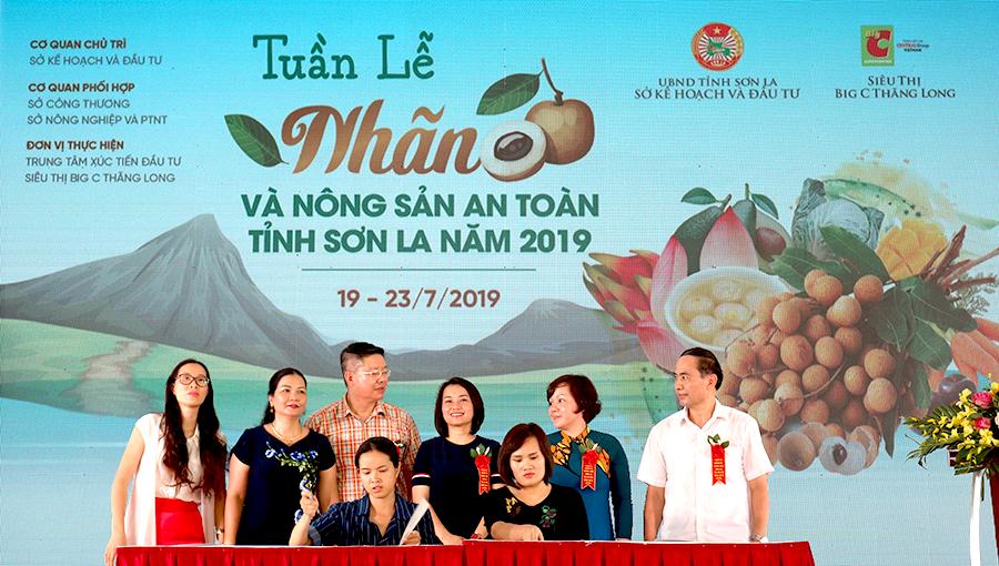 Khai mạc Tuần lễ Nhãn và Nông sản an toàn tỉnh Sơn La năm 2019