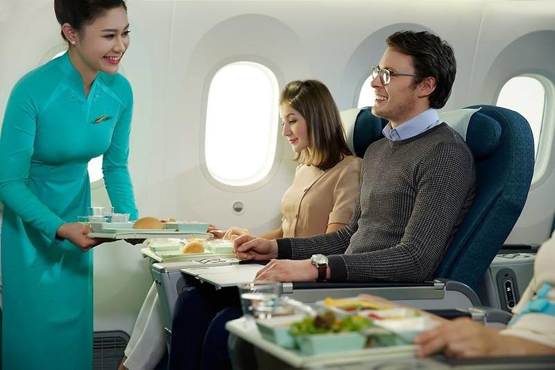 Vietnam Airlines lần đầu tiên ra mắt hạng phổ thông Đặc biệt trên đường bay Hà Nội – TP Hồ Chí Minh