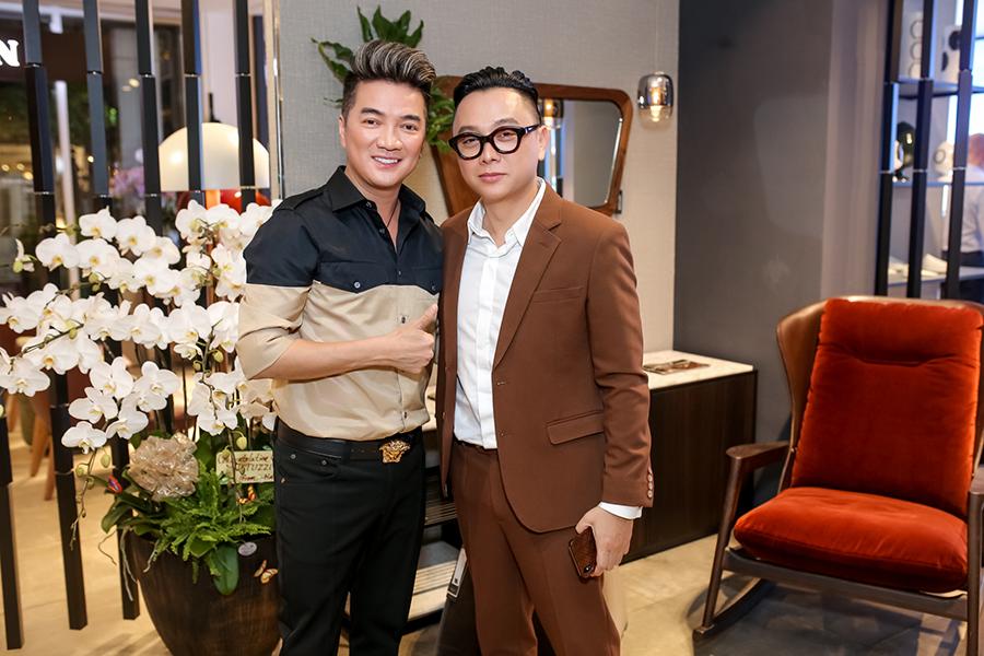 Mr Đàm, NTK Công Trí và nhiều nghệ sỹ hội ngộ tại showroom mới của doanh nhân Dương Quốc Nam