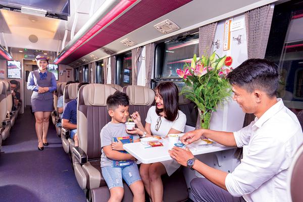 Ngành đường sắt giảm mạnh giá vé tàu sau cao điểm Hè