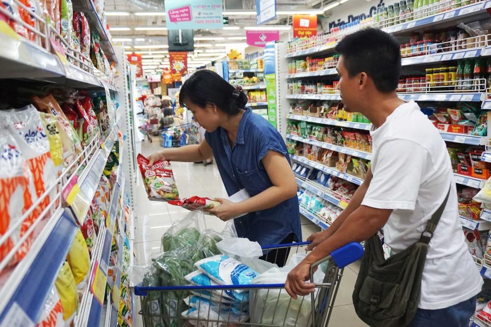 Đi siêu thị Co.opmart mua nước giặt, sữa đậu, nước ngọt, bánh ngọt chỉ với 2.900 đồng