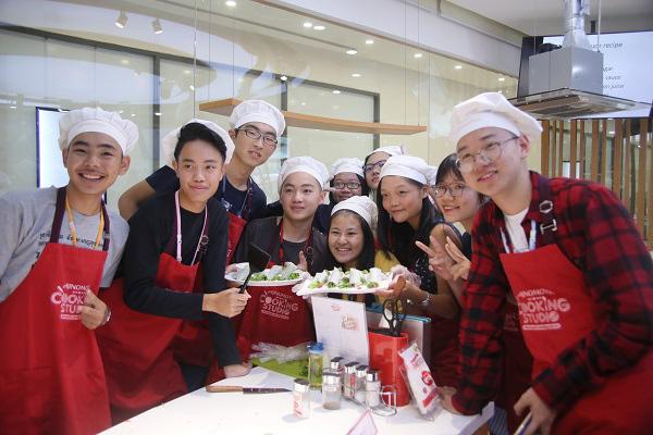 Hơn 100 nhà lãnh đạo trẻ châu Á hào hứng khám phá ẩm thực Việt Nam tại Ajinomoto Cooking Studio