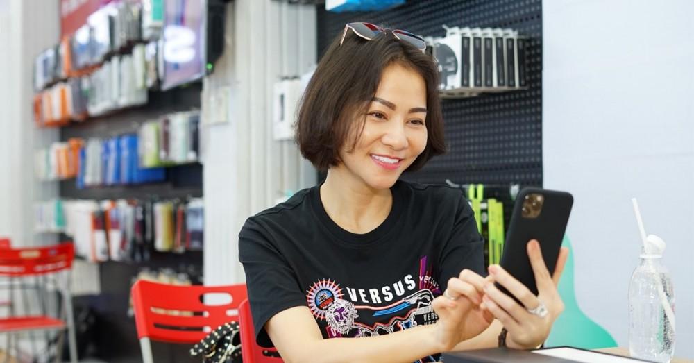 Ca sĩ Thu Minh sở hữu iPhone 11 Pro Max trong ngày đầu tiên mở bán tại Việt Nam