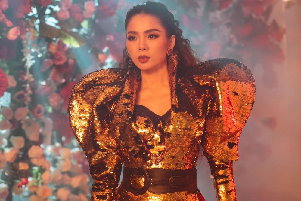 Lệ Quyên lạnh lùng xuất hiện như một 'vị thần' trong teaser Q Show2