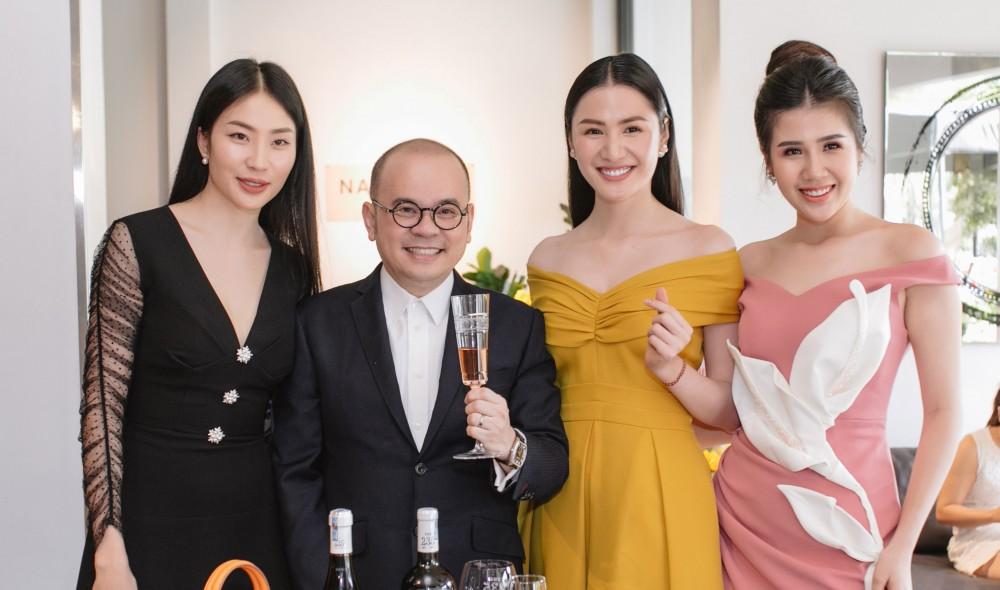 Dàn sao trẻ xúng xính váy áo quậy tưng bừng tiệc khai trương showroom mới của Phố Xinh