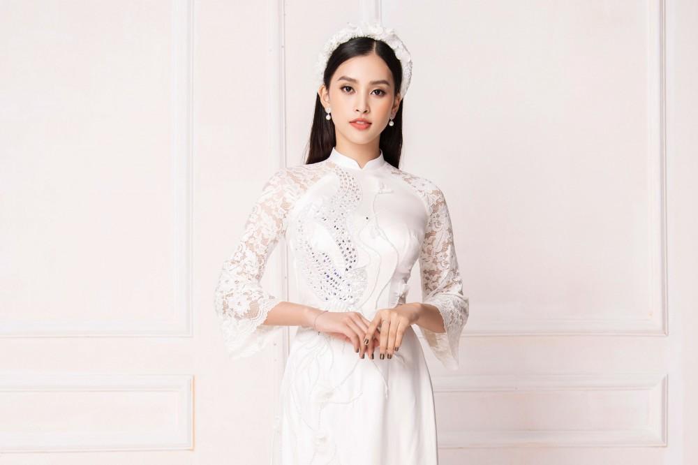 Hoa hậu Tiểu Vy đẹp như tiên nữ khi diện áo dài trắng của NTK Ngô Nhật Huy