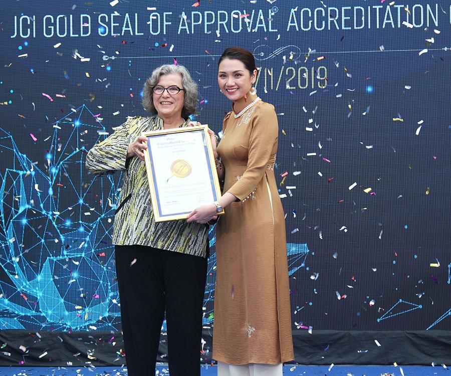 Bệnh viện Quốc tế Hạnh Phúc đạt chứng nhận con dấu vàng chất lượng JCI