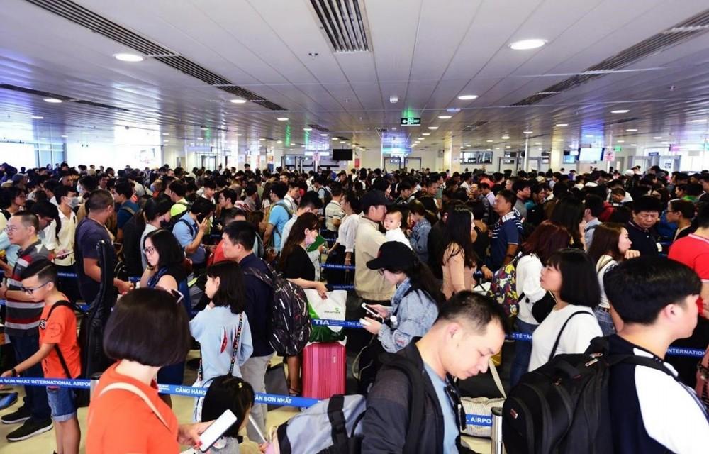 Hàng không Việt tăng cường bay đêm, hạn chế người đưa tiễn dịp Tết