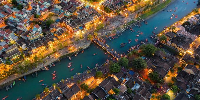 Việt Nam - điểm đến an toàn, mến khách