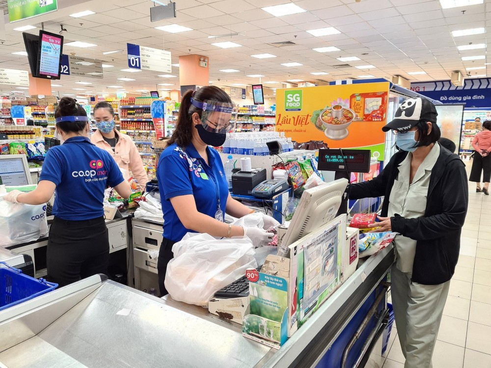 Không có chuyện đóng cửa siêu thị Co.opmart, Co.opXtra