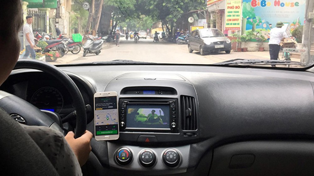 TP.HCM tiếp tục ngừng hoạt động xe taxi, xe khách, xe buýt đến 22.4