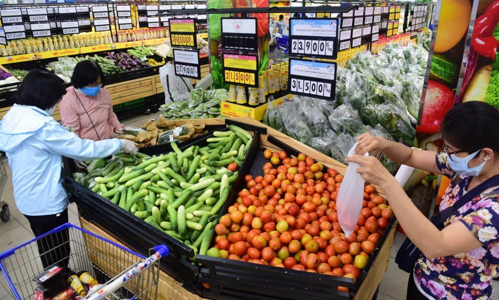 Hệ thống siêu thị Co.opmart, Co.opXtra giảm giá đến 50% gần 3.400 mặt hàng nhu yếu phẩm mừng 30/4