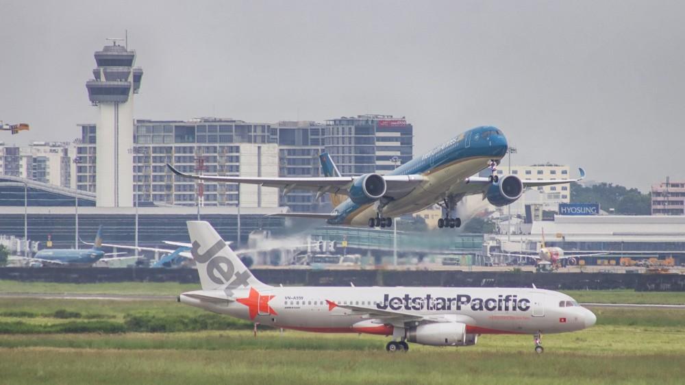 Bay nội địa chỉ từ 49.000 đồng/chặng với Vietnam Airlines và Jetstar Pacific