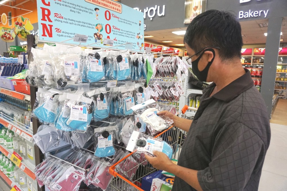 Saigon Co.op tung ra thị trường hơn 12 triệu khẩu trang vải kháng khuẩn giá không đổi