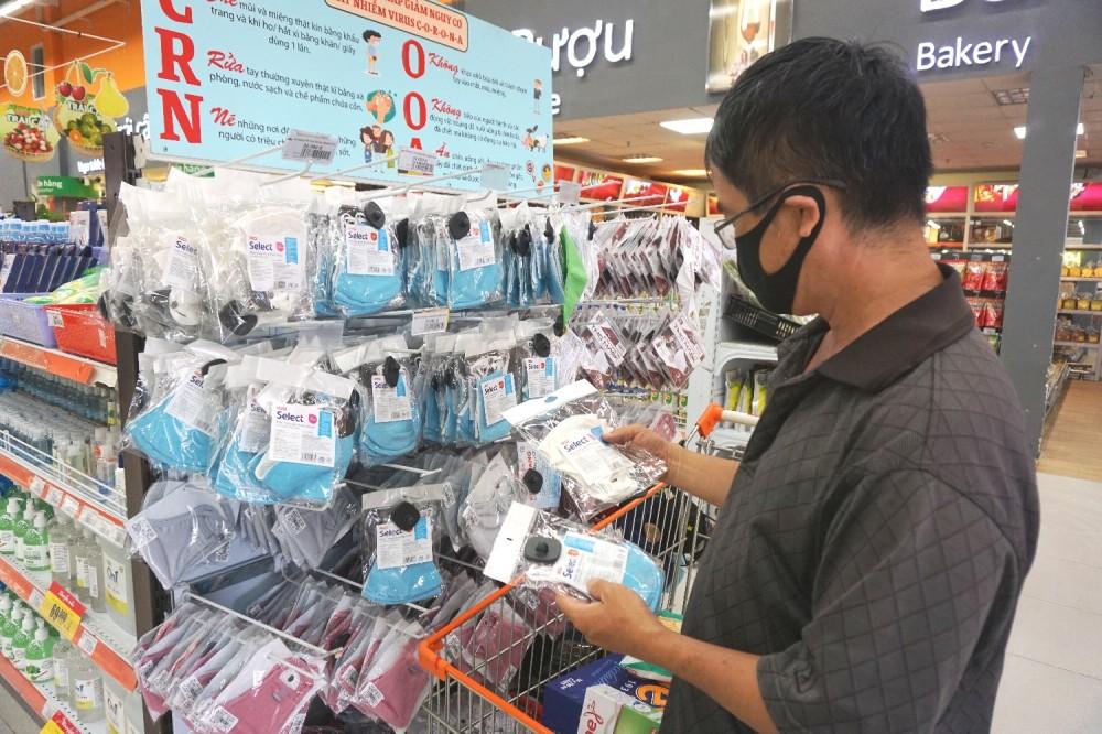 Công bố hàng nghìn địa điểm bán khẩu trang tại 24 quận/huyện ở TP.HCM