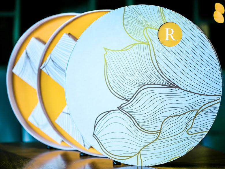 Khách sạn Renaissance Riverside Sài Gòn giới thiệu bộ sưu tập bánh trung thu 2020