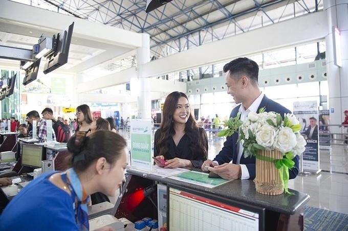 Hàng không tặng vé máy bay cho khách