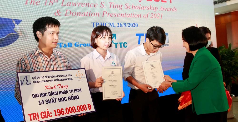 Quỹ Lawrence S. Ting và Công ty Phú Mỹ Hưng trao học bổng hơn 8,5 tỷ đồng