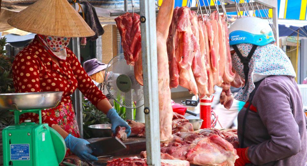 TP.HCM điều chỉnh giảm giá bán mặt hàng thịt heo để bình ổn thị trường