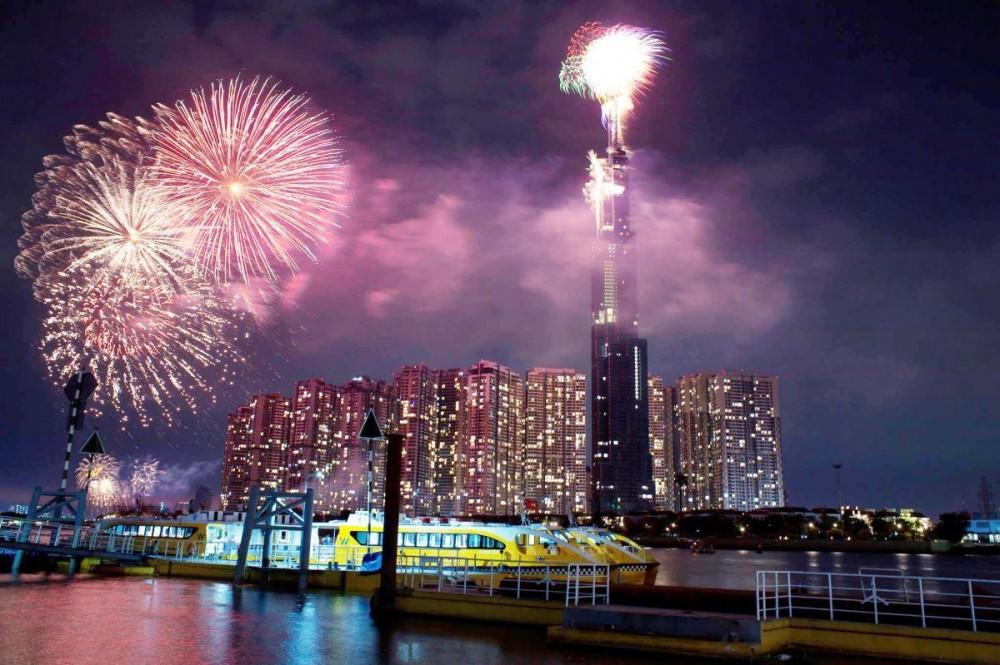 TP. HCM đề xuất bắn pháo hoa mừng Tết Dương lịch 2021 tại 3 điểm