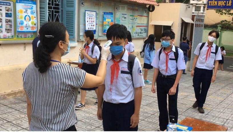 TPHCM: Học sinh, sinh viên bắt đầu đi học trở lại từ ngày 1.3