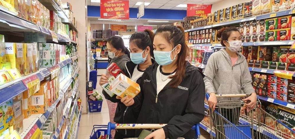 Kỷ niệm 25 năm thành lập, siêu thị Co.opmart giảm giá mạnh 2.500 sản phẩm nhu yếu