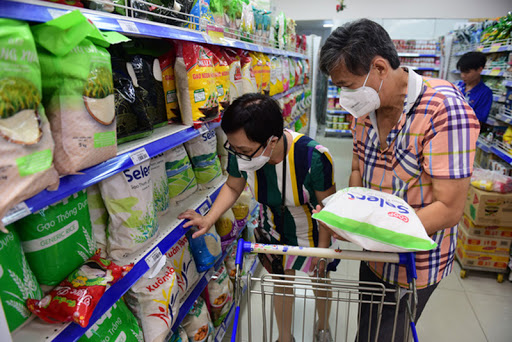Nhãn hàng Select giảm giá mạnh đến 50% hàng ngàn sản phẩm tại siêu thị Co.opmart