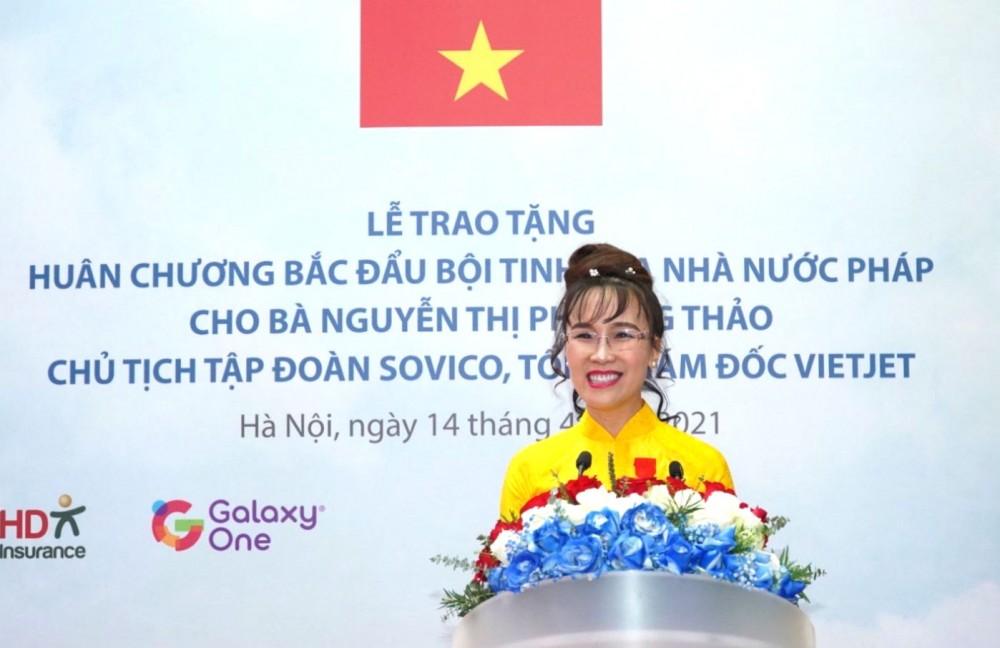 Nữ doanh nhân Nguyễn Thị Phương Thảo nhận Huân chương Bắc đẩu bội tinh của Nhà nước Pháp trao tặng